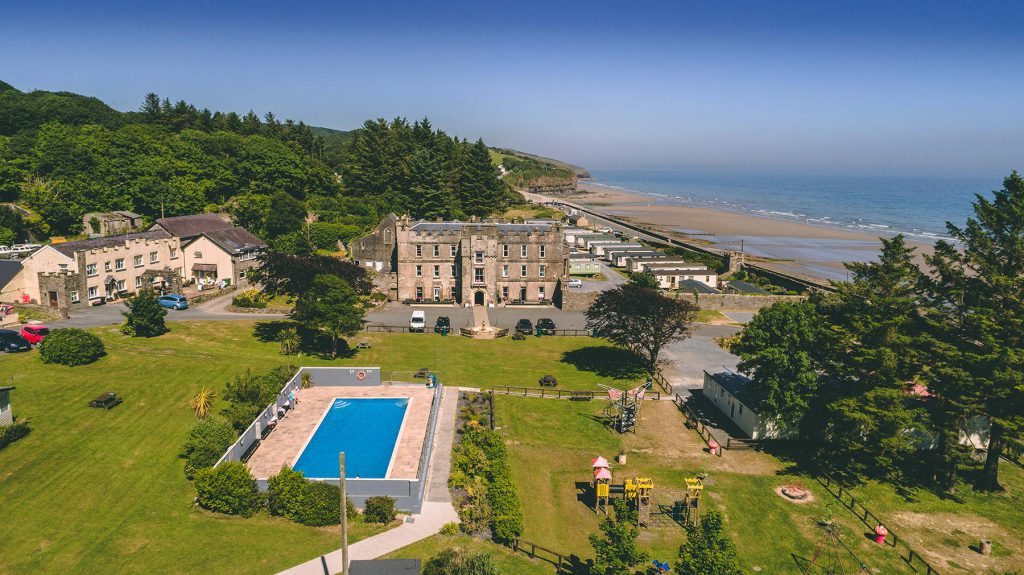 Amroth-Castle-Facilties-View